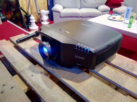 Epson je u Ljubljani hrvatskim medijima predstavio nove instalacijske projektore