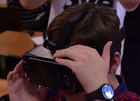 Nastava povijesti gledana kroz VR headset u OŠ Vugrovec - Kašina